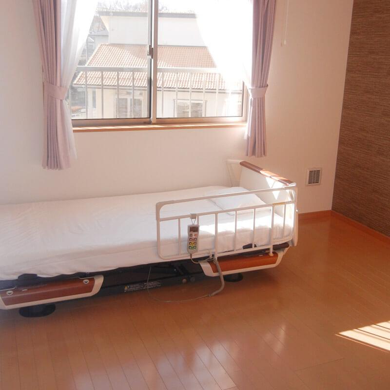 個室のベッドの写真